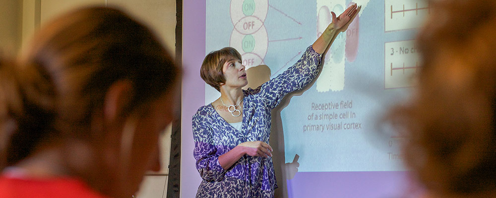 Prof. Rebecca Compton in her Cognitive Neuroscience course.