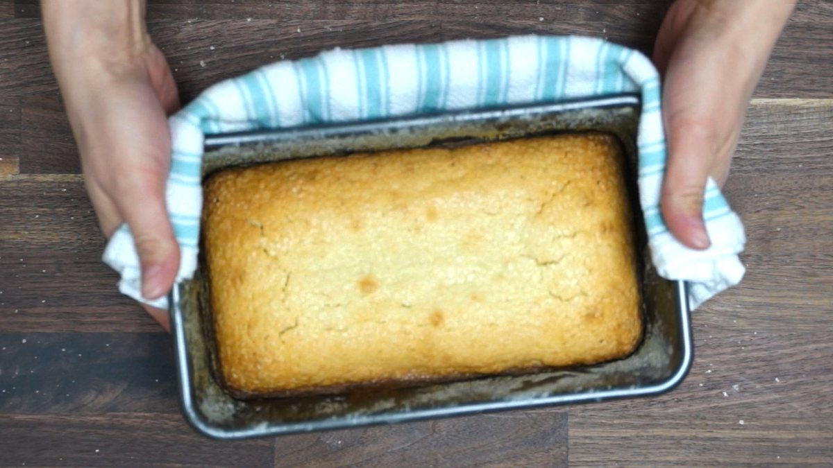 English Cake in pan