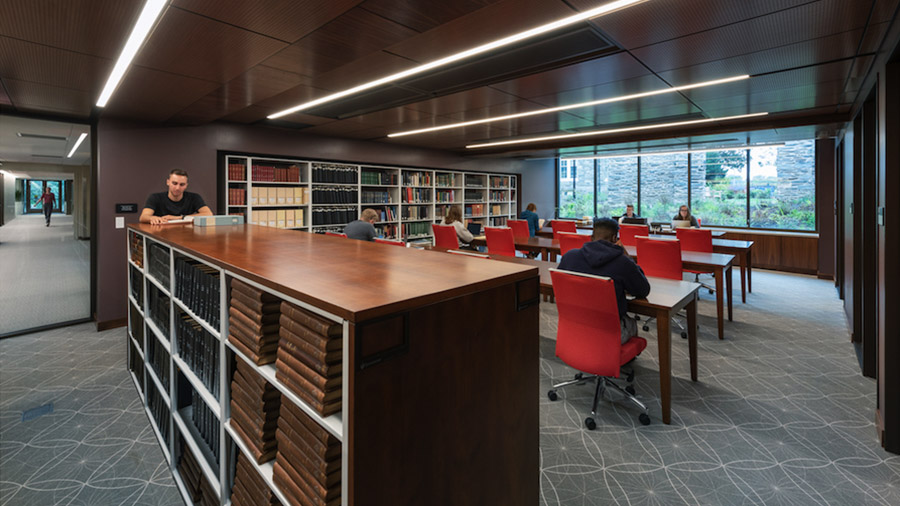 Students use the Reading Room in Quaker and Special Collections