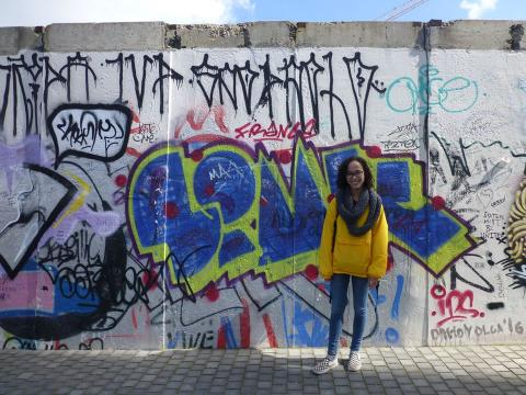 Hunter Rendleman '18 at the Berlin Wall