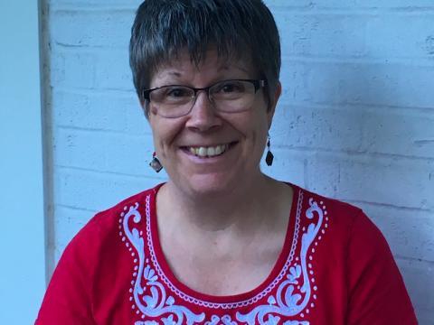 Linda Gaus '87
