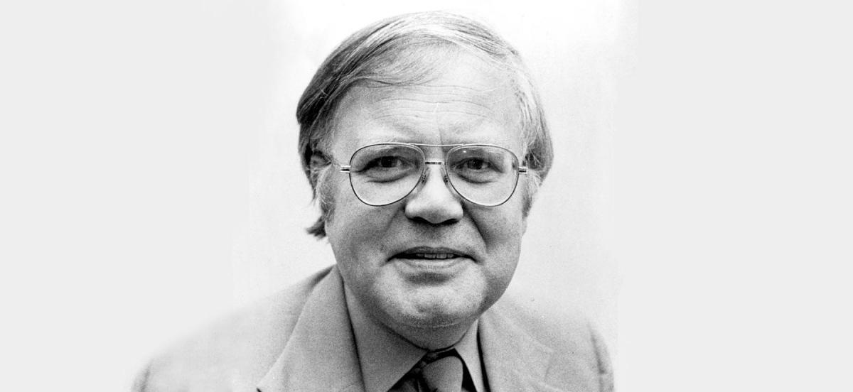 Black and white headshot of Robert Stevens